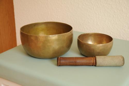 singing-bowls-792558_1920